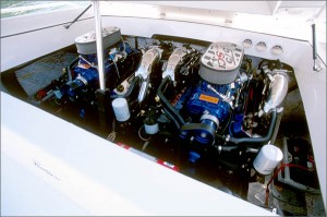 Power options include twin 550-hp HP575SCi engines from Mercury Racing.