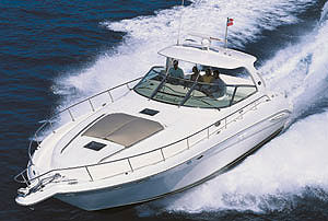 At first glance, the 460's sleek hull design and fiberglass hardtop are immediately eye-catching.