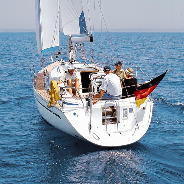 Bavaria 34 Cruiser: Plenty of Room at the Table thumbnail