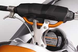 Sea-Doo RXP-X and RXT-X feature a new lightweight handlebar riser, wide aluminum handlebar, and a billet aluminum finger throttle.