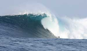 Boats.com Contributing Photographer Captures Monster Surf