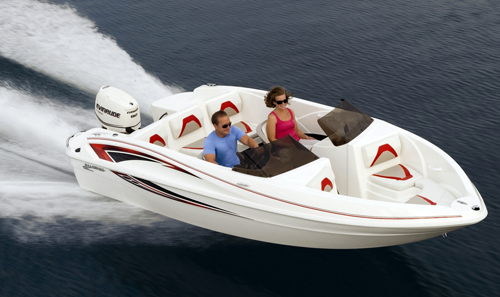 Great economy and a low retail price are just two advantages offered by the new outboard-powered Glastron SSV 170.
