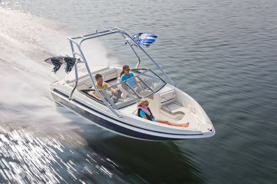 Larson LX 710 I/O: a Well-Built Boat for a Nice Price thumbnail