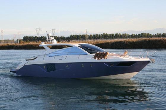 Cranchi Fifty 6 Soft Top: Hot Yacht thumbnail