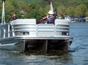 Lowe Platinum 25 RFL: Boat Test Notes