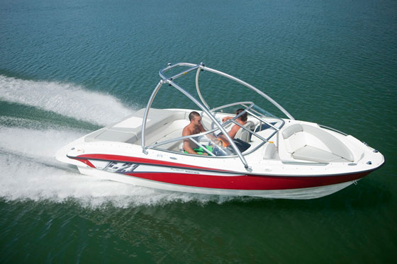 Bayliner 215 Bowrider: Striking a Balance