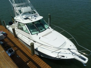 Boston Whaler 345 Conquest Boat Test Notes thumbnail