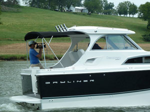 Bayliner Discovery 266 Boat Test Notes thumbnail