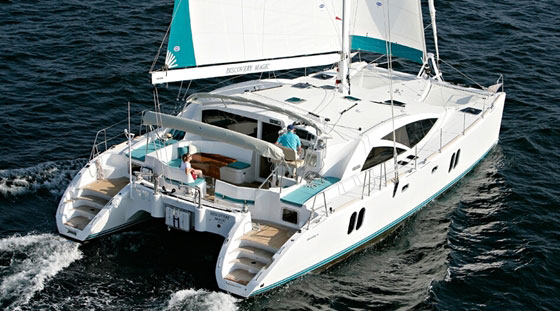 Discovery 50: A Bluewater Cat with a Fine Finish thumbnail