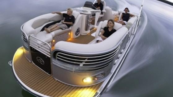 Avalon Ambassador 27: Pontoon Boat Goes Art Deco