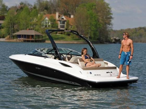 Sea Ray 230 SLX: Wakeboarding Bowrider Wow