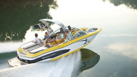 MasterCraft X30: Middle-weight Fighter