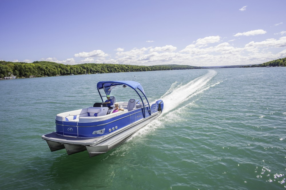 10 Top Pontoon Boats: Our Favorites thumbnail