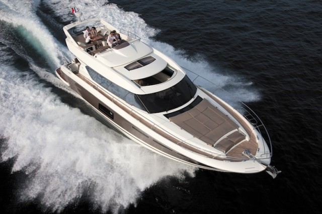 Prestige 620 S: Flybridge Meets Express in a Motoryacht