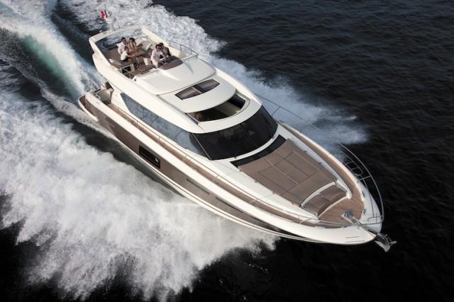 Prestige 620 S: Flybridge Meets Express in a Motoryacht thumbnail