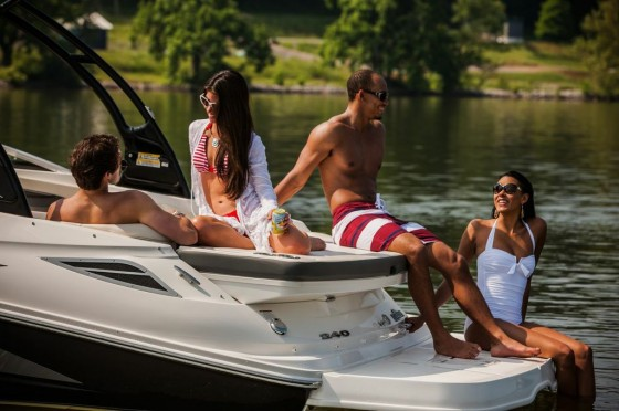 stern of the sea ray 240 sundeck