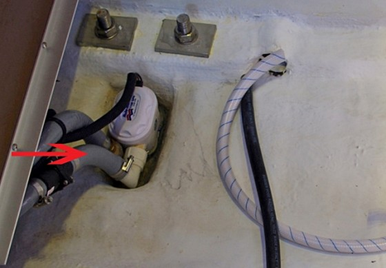 The 90-degree bend at the outlet isn't the only factor that will affect this pump's ability to perform to its rating.
