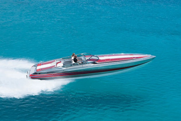 A photo of teh Formula 382 FAS3Tech powerboat.
