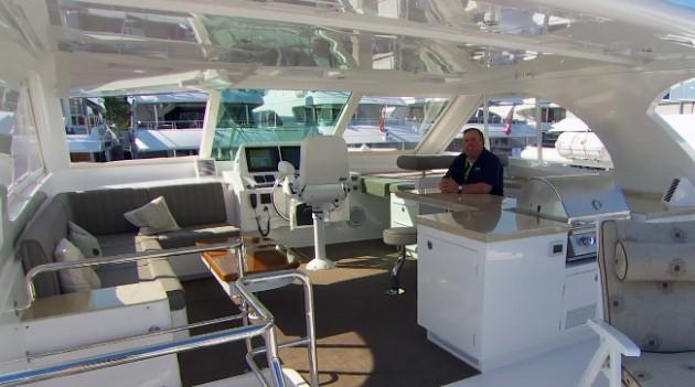 Horizon PC 52 power catamaran first look video