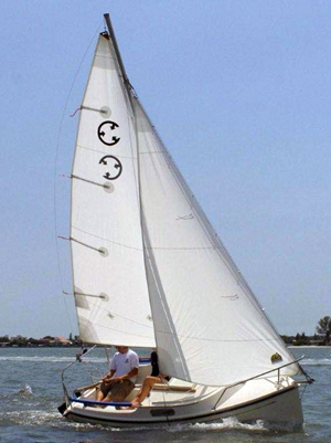 Com-Pac Legacy sailboat underway