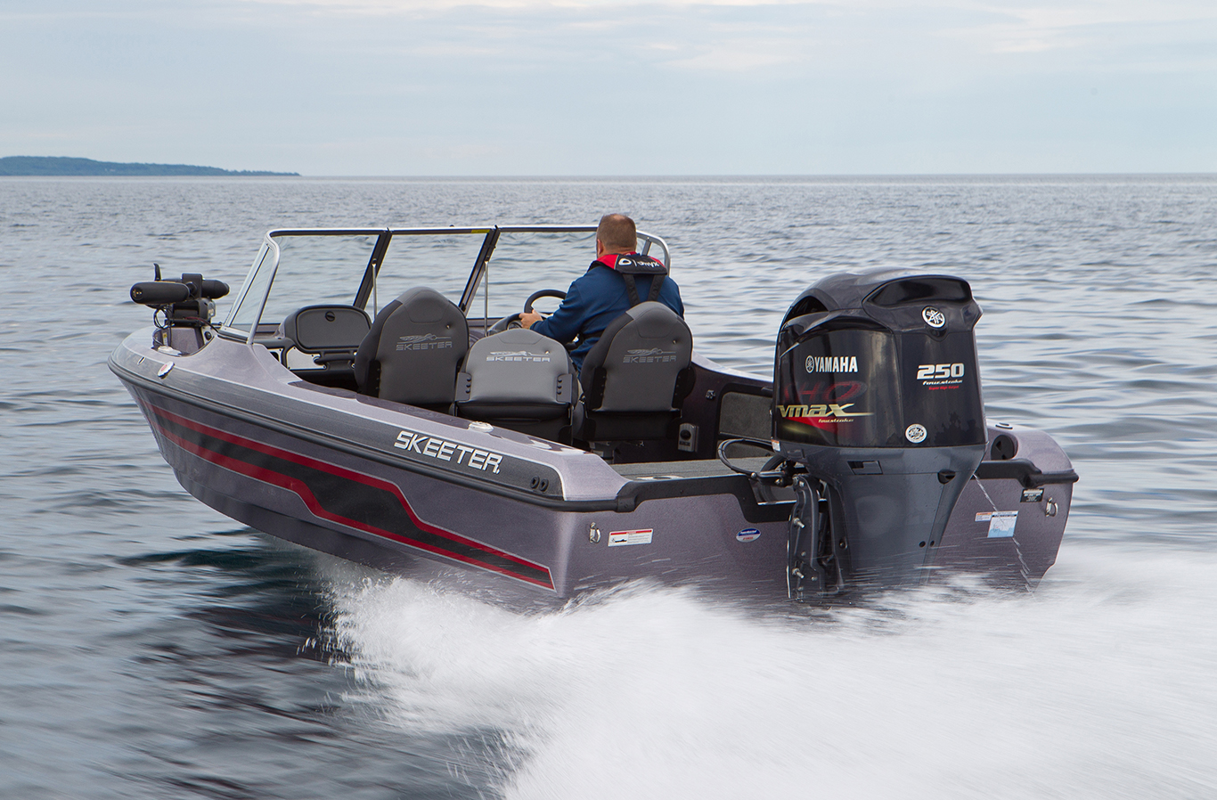 The Skeeter MX2025 blasts away across Little Traverse Bay off Lake Michigan, powered by Yamaha's new VMAX SHO 250 outboard with 25-inch shaft.