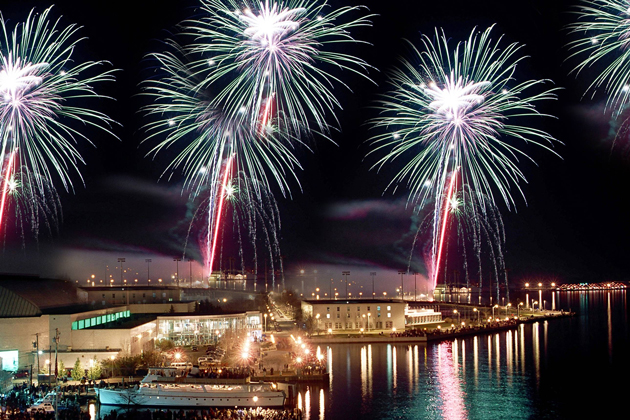 Fireworks Displays: Where to Watch from a Boat thumbnail