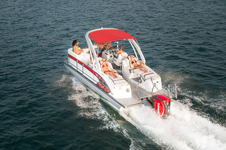 The Manitou Xplode 23 SRS SHP is built for watersports such as skiing, tubing, and wakeboarding.
