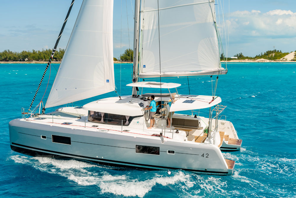The new Lagoon 42 sailing catamaran replaces the popular 420/421, of which there are 270 hulls.