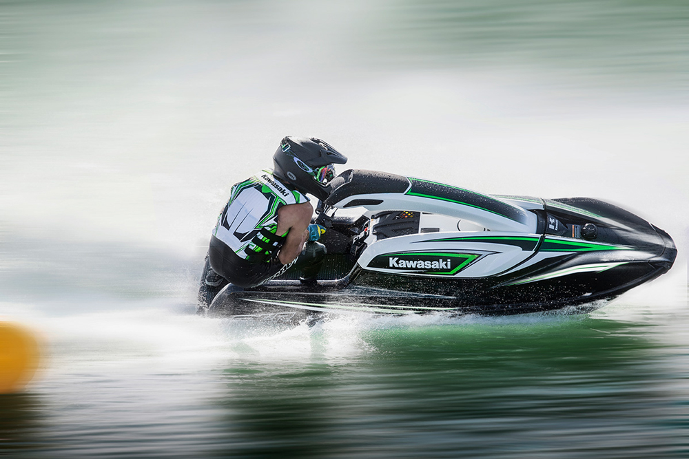 The current SXR handles with incredible agility, stays more glued to the water than ever before, and rewards both experienced riders and beginners with stability, confident handling, and power.