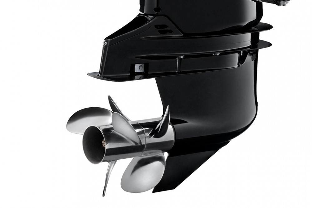 Suzuki DF350A Twin Propeller Outboard Engine Introduced