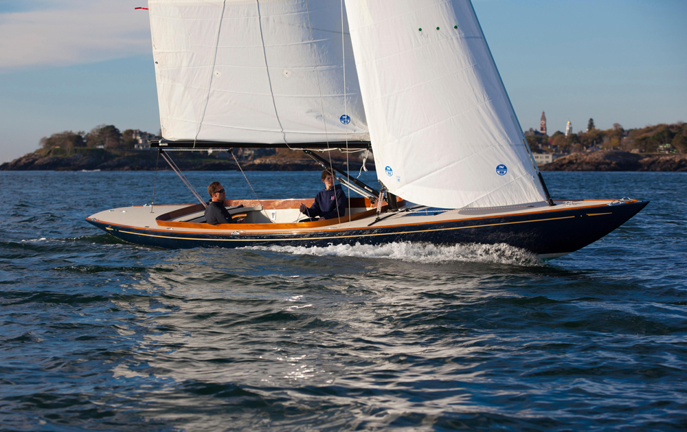 If you're all about sailing well and looking good while doing so, the C.W. Hood 32 may be the answer.
