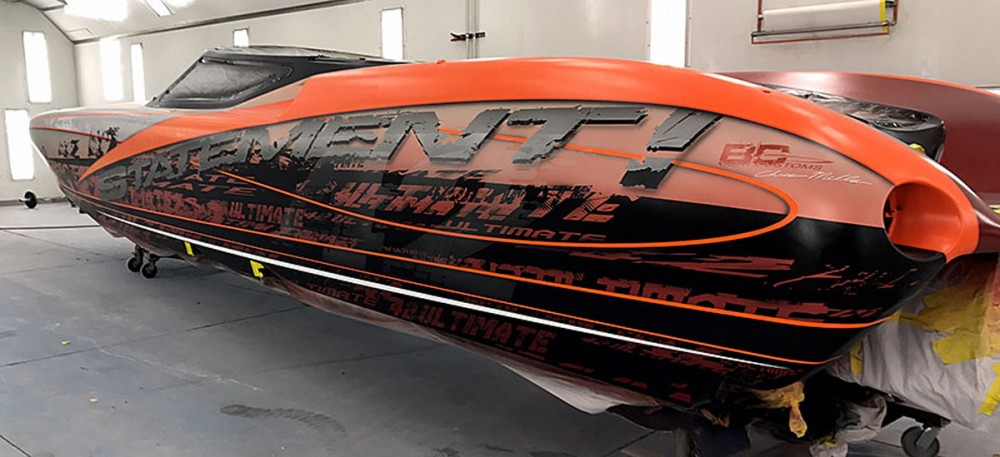 Chris Mills at Boat Customs recently repainted the first Statement Marine 42 Ultimate V-bottom ever built.