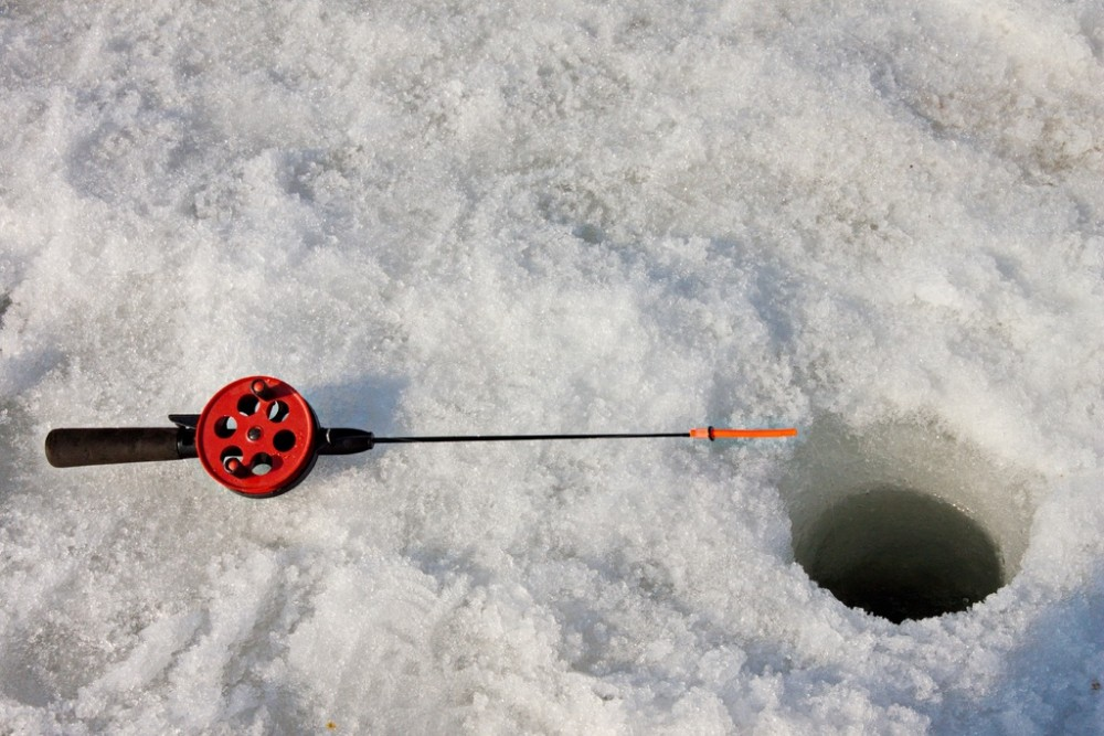 Although ice fishing is a fairly simply, it does require some specialized gear.