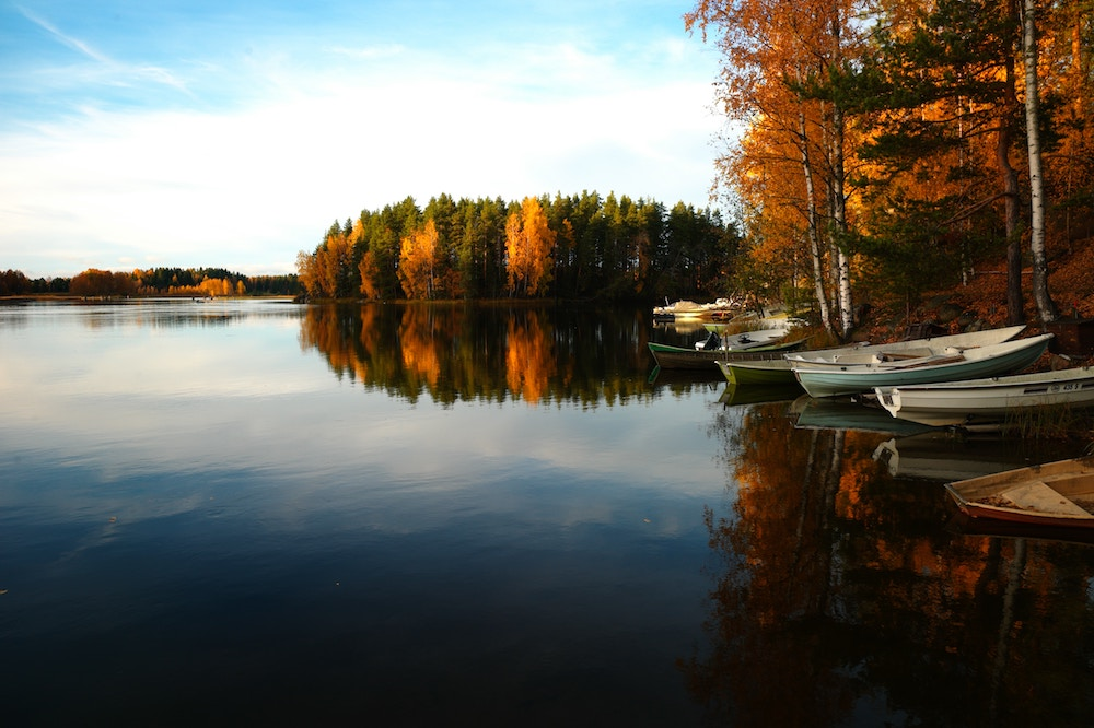 Reasons We Love Fall Boating thumbnail