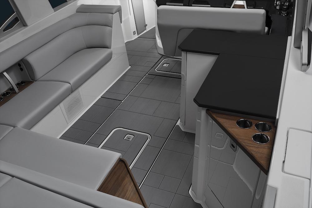Aviara AV32 interior