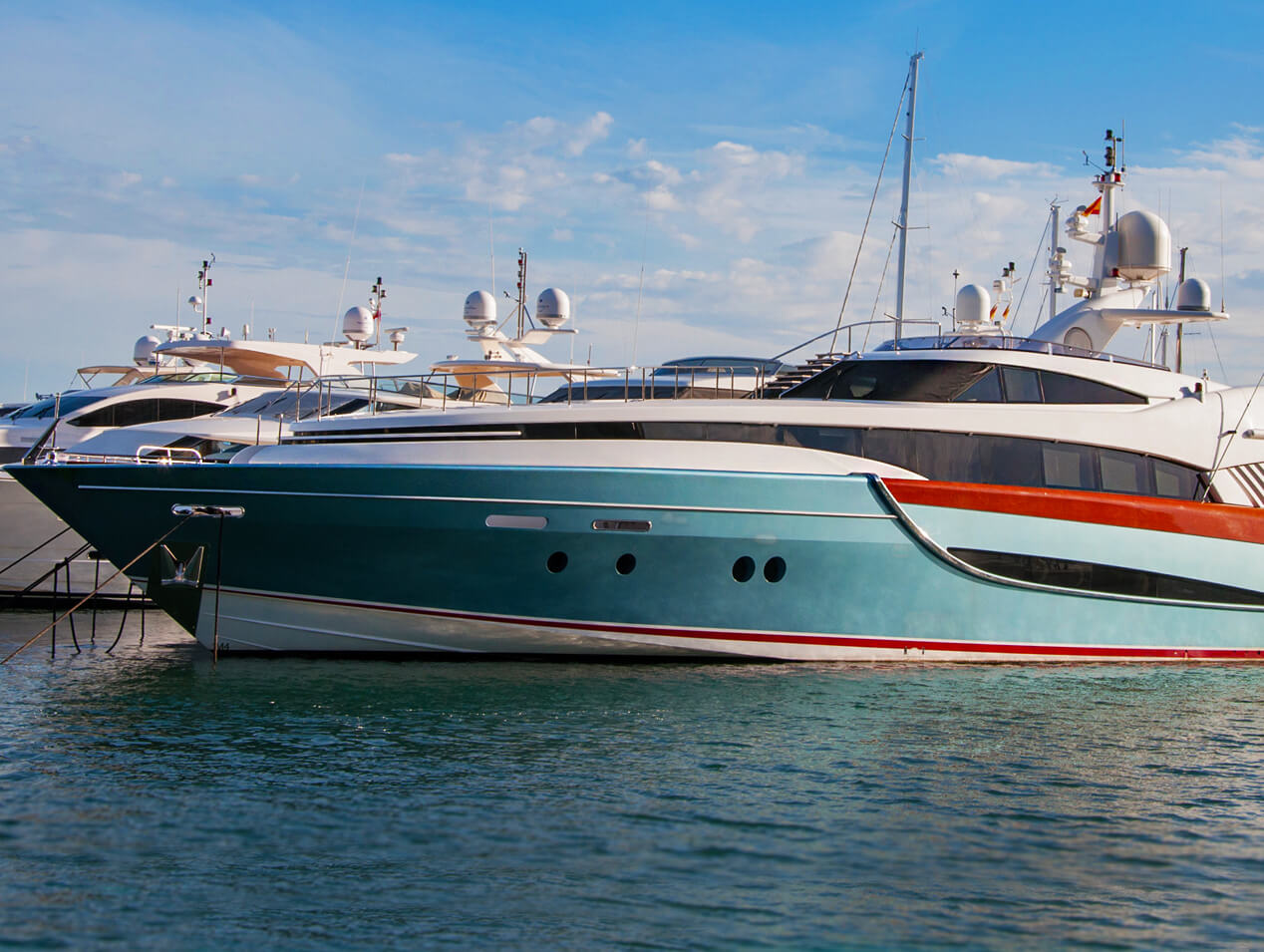 2020 Boat Hull Color Trends