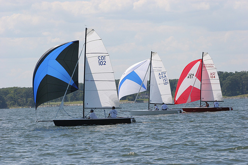 Perry Design Review: Front Runner 19 - boats com