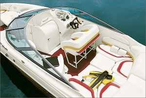 The cockpit of the 292 Islander boasts a two-person offshore-style bolster seat for the driver and co-pilot and a bench seat that converts to a sunpad with filler cushions.