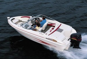 Although more prevalent on fishing boats, some runabouts also are offered with outboard power. (Photo courtesy Glastron)