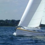 Bavaria 32: Budget Family Cruiser