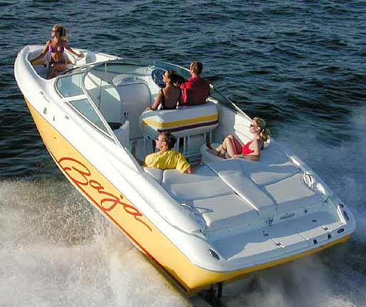The Baja 292 Islander runs like a performance boat but offers the versatility of a large runabout.