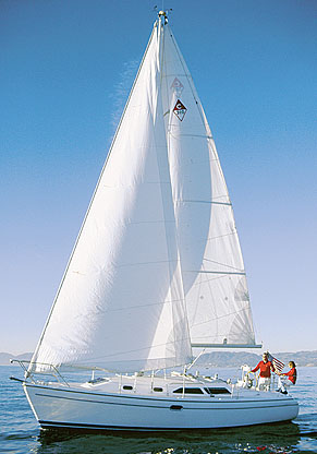 Big Boat In A Small Hull: The Catalina 310 packs the amenities of a 40-footer into a 31' hull. (Source: boats.com)