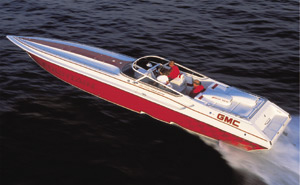 The 42' Lightning flat-out dominated offshore water and danced gracefully through the smooth stuff.