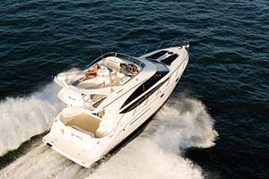 Unlike many other boats in her class, the Meridian 391 Sedan Bridge combines amenities with performance.