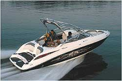 Yamaha's twin-engine 23-footer is the most popular boat in its class.