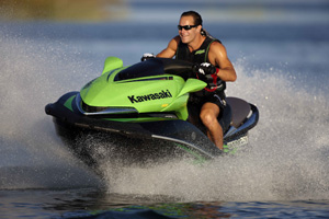 Designed to be quicker off the line, the 2009 Jet ski Ultra 260X packs 260 supercharged/intercooled horsepower under the seat, and a revised impeller in the pump, to give its owner a jump on the competition.