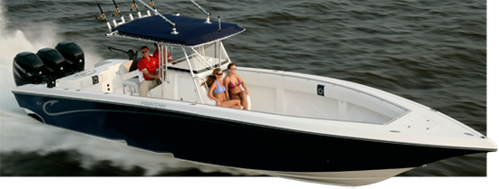 The 38' Fountain center console has plenty of space for guests
