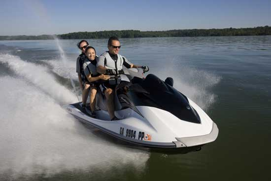 Updated with a new, roomier deck for 2010, the Yamaha VX Cruiser retains the low price and outstanding economy that have made it a best-seller.
