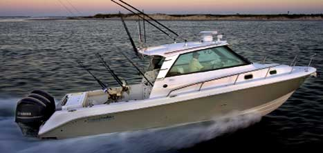 Center console builder Everglades Boats has jumped into the express cruiser fray with two models – a 35-footer (the 350EX pictured) and a 32.