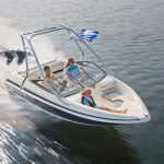 Larson LX 710 I/O: a Well-Built Boat for a Nice Price